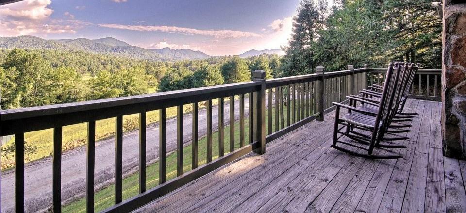 http://annawrites.com/blog/wp-content/uploads/2012/11/dillard-house-porch-mountain-views.jpg