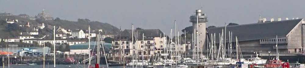 http://upload.wikimedia.org/wikipedia/commons/8/8b/Falmouth_Cornwall_Harbour.jpg
